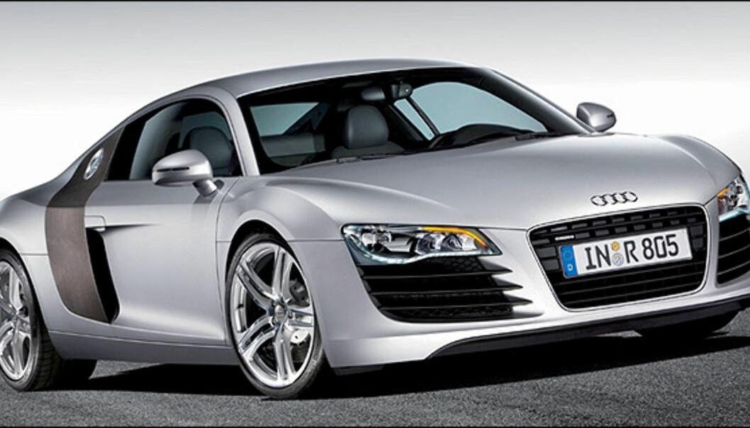 """Audi R8 med """"full-diodiserte"""" frontlykter."""