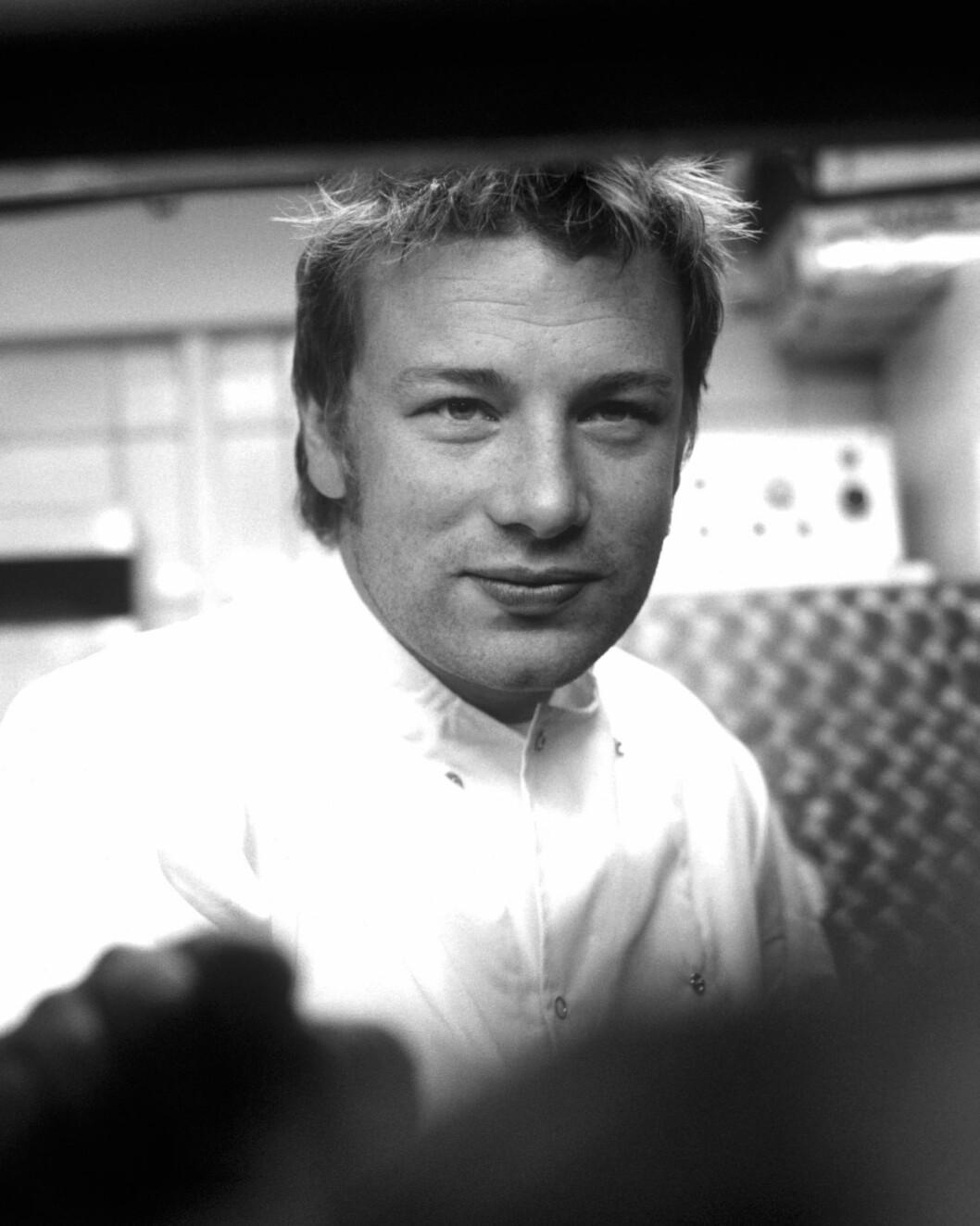Ifølge kjendiskokk Jamie Oliver bør kvinner nekte mannen sex dersom han ikke vil hjelpe til på kjøkkenet.