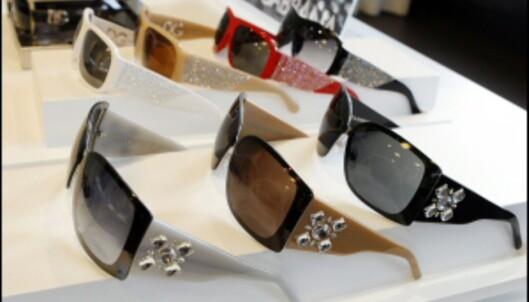 Bling og strass er tilbake i motebildet, nytt er de litt større steinene. Her fra Dolce & Gabbana. <i>Foto: Per Ervland</i>