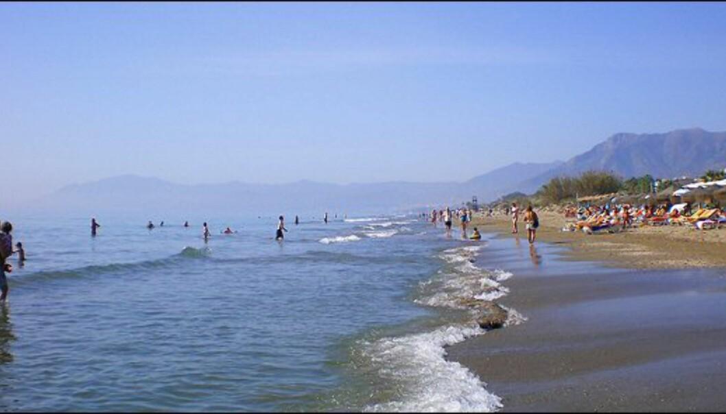 Bare litt utenfor Marbella finnes det rolige strandstrekninger med mindre mennesker. Foto: www.photito.com