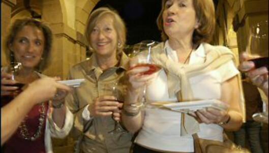 Vin  og tapas slår aldri feil i Madrid. Foto: Vibeke Montero