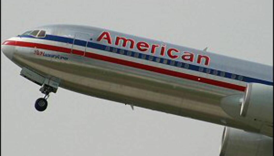 Kvinnen mener flyselskapet burde ha reagert da mannen flyttet seg til plassen ved siden av henne.