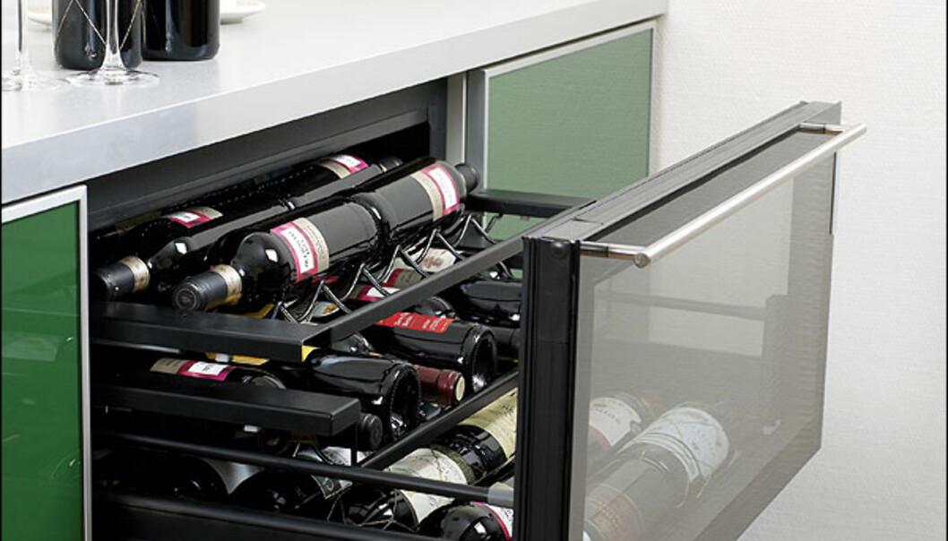 Merket for god design 2008 tildeles også Cave 55, et vinskap i skuffeformat fra Scandinavian Appliances AS. Mulighet for differensiert temperatur mellom øvre og nedre del.  Foto: Pål Thunæs