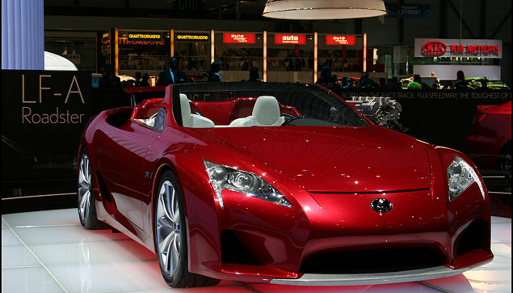 Lexus blir visst aldri klar med sin LF-A... Men flott er i hvertfall roadsterversjonen - fortsatt dessverre som konsept.