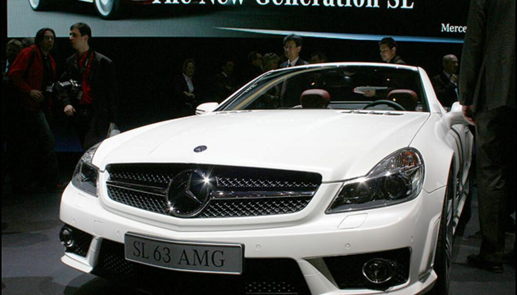 Mercedes SL har fått nytt oppsyn. Vi skal snart prøvekjøre den.