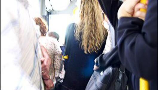 I mange storbyer opplever kvinner å bli antastet når de tar offentlig transport.<br /> <i>Illustrasjonsfoto: Nick Cowie</i>