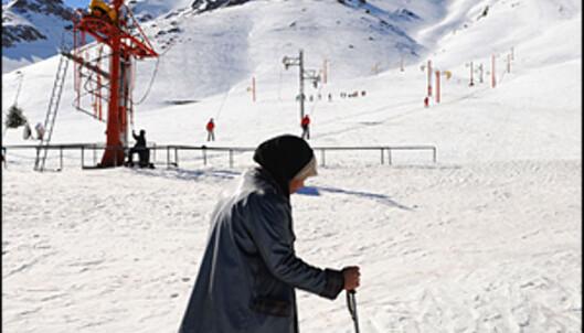 I Marokko har folk det moro på ski, uansett utstyr og ambisjoner. <i>Foto: Hans Kristian Krogh-Hanssen</i>