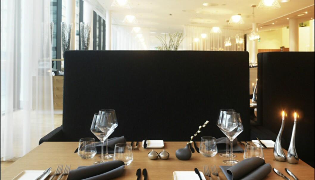 Er du heldig får du reservert en av båsene i enden av restauranten. <i>Foto: Clarion Hotel Sign</i>