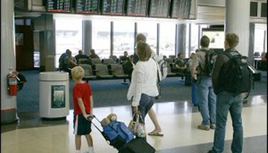 Det er ikke gøy når flyet er forsinket. Foto: Colourbox