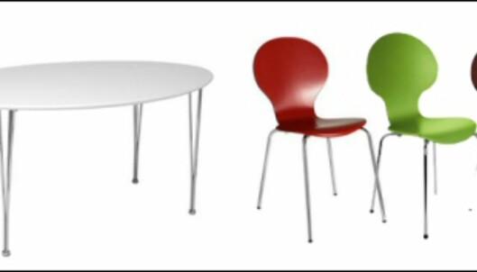 Hovedpremien er et spisebord og fire stoler fra Duka. Madsen-stolene fås i fargene som vist på bildet over.