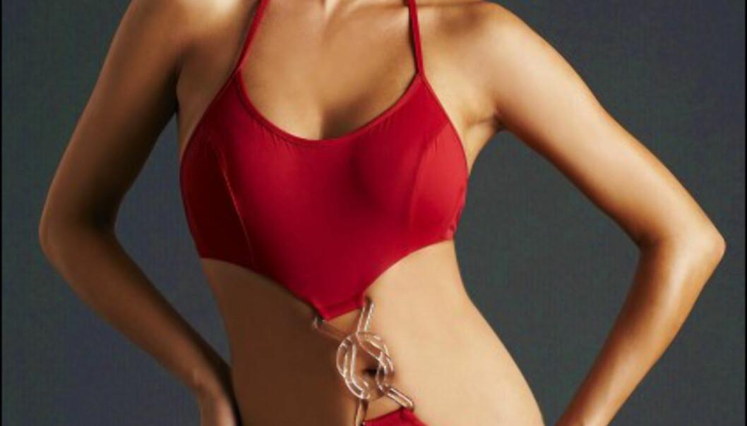 Modig badedrakt fra V Del Sol. Plasthektene som binder sammen topp og underdel, kan hektes fra hverendre når du skal sole deg. Koster 200 dollar/1.105 kroner hos Bestswimwear.com Foto: Bestswimwear.com