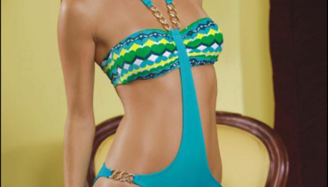 Sjøblått, grønt, gult og hvitt med krystallbelagte gullkjeder, fra Luli Fama. Koster 145 dollar/798 kroner hos Bestswimwear.com Foto: Bestswimwear.com