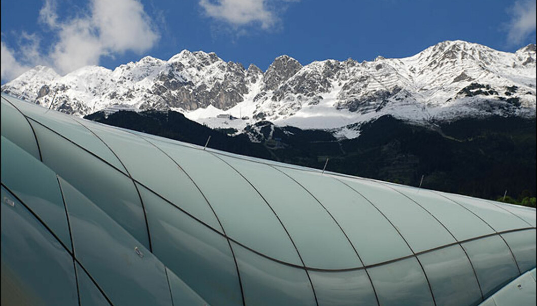 Herdet glass inspirert av is og snø. Foto: Tirol Werbung