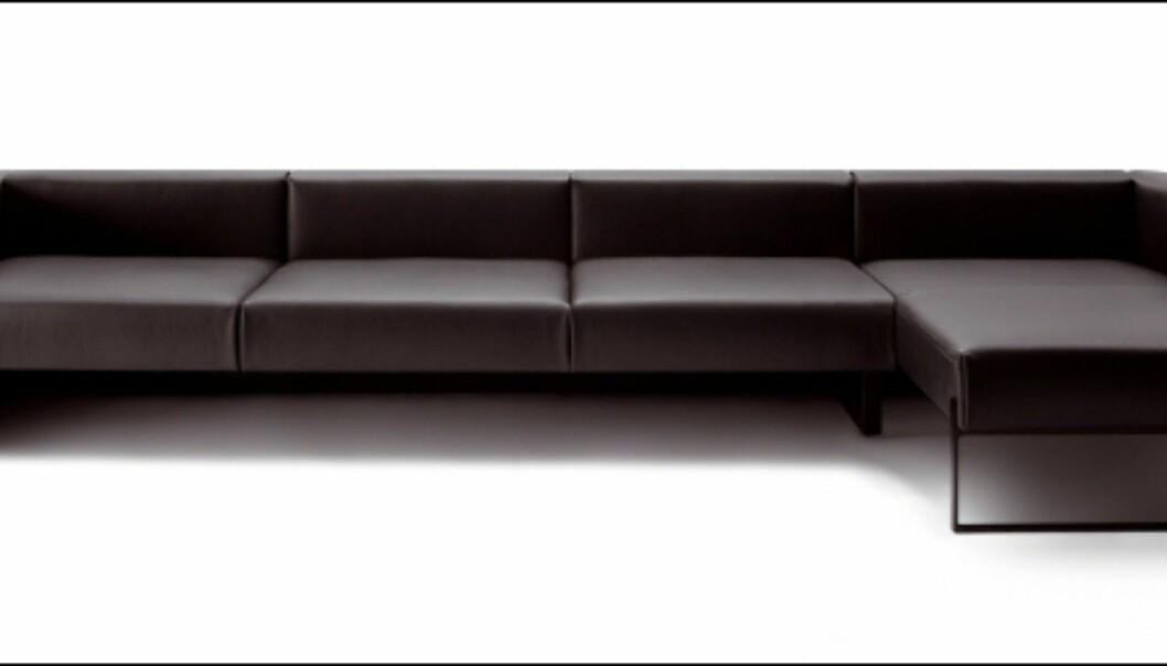 Sofa med sjeselong er fortsatt populært. Her er den stramme modellen Stretto fra Durlet. Foto: IMM Cologne: Hitguide 2008