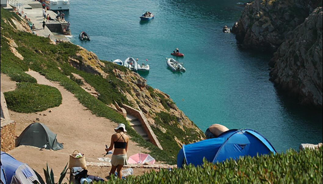 Camping er populært på øya.