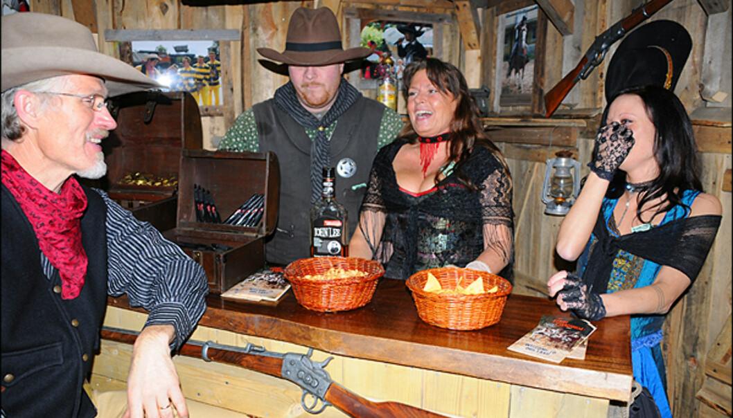 High Chaparral har tatt med seg en liten del av sin cowboylandsby i SørSverige til messen. Stikk innom for en cowboystjerne.