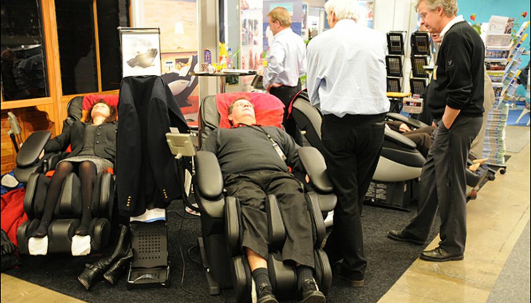 En massajestol kan gjøre godt etter lange timer i 200 land.