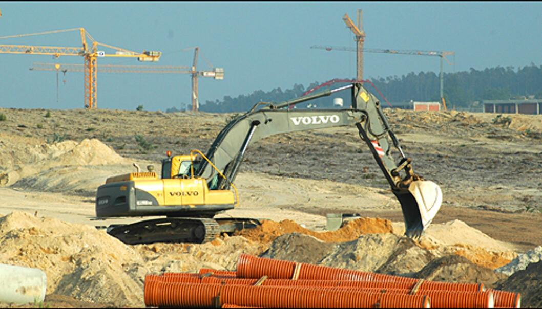 Byggingen er i full gang på den 1 576 210 kvadratmeter store tomten til Bom Sucesso.