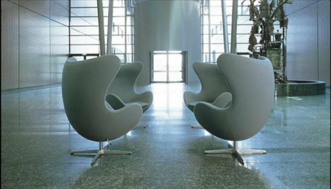 Egget er en populær stol, både i hjemmet og i offentlige bygg. Her fra Interpolis' hovedkontor i Nederland. <i>Foto: Piotr & Co / Fritz Hansen</i> Foto: Piotr & Co.