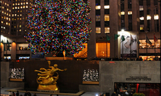 Tenningen av juletreet utenfor Rockefeller Center er et høydepunkt for mange i New York før jul.   Foto: Hans Kristian Krogh-Hanssen