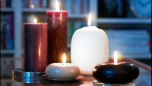 Stearinlys skaper stemning i mørke vinterkvelder. <i>Foto: Ikea</i>