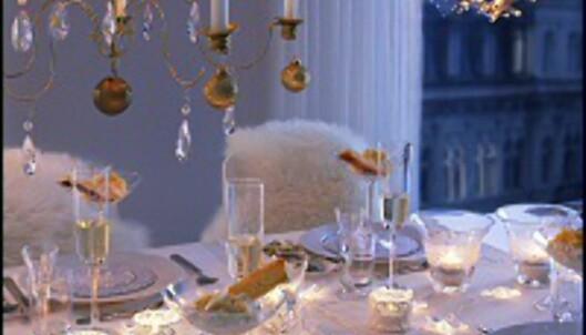 Gi en serie av glass, servise - eller kanskje julepynt? Her er Ikea-juledekorasjoner fra kroner 19,- <i>Foto: Ikea</i>