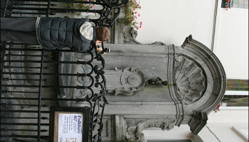 Liten statue, stor ståhei. Manneken Pis er for Brussel hva Sinnataggen er for Oslo. Alle turister må ta bilde av ham.