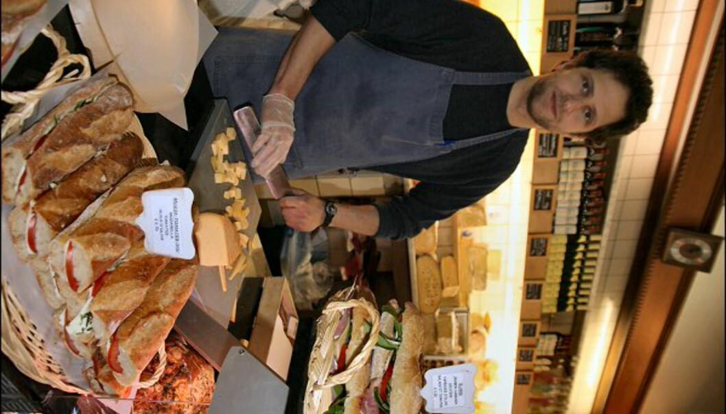 Har du mer sansen for skarpere ting, er ostebutikken Crèmerie de Linkebeek stedet. Her serveres gjerne smakebiter.