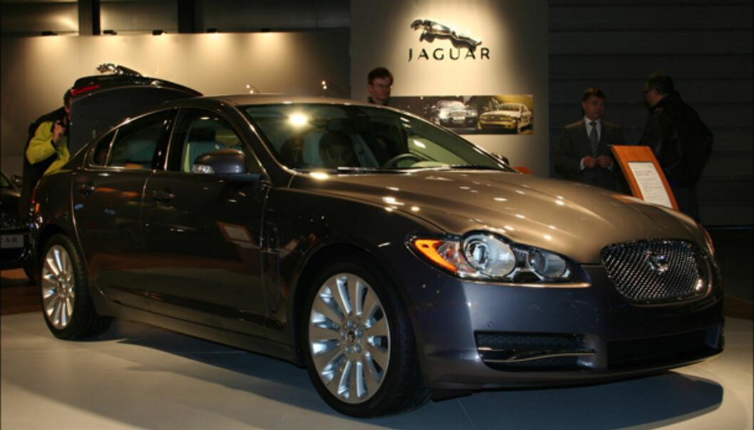 <strong>Jaguars nyeste:</strong> XF - på bakhjulsdrevet XK-plattform. Overtar etter S-Type.