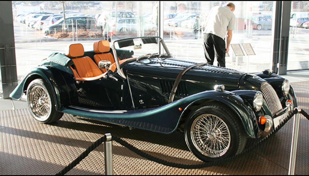 Morgan V6 Roadster - like rask som en Porsche 911!