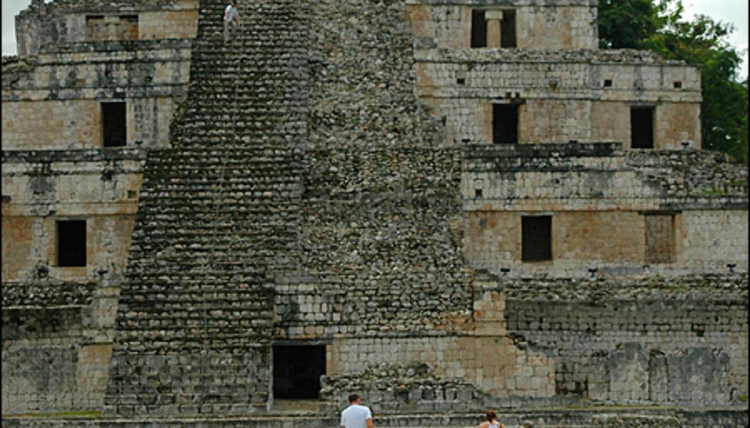 For deg med høydeskrekk kan det være en utfordring å klatre på ruinene i Edzná.