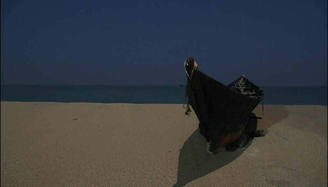 Magisk fra stranden i måneskinnet. Foto: Haakon F. Stenersen