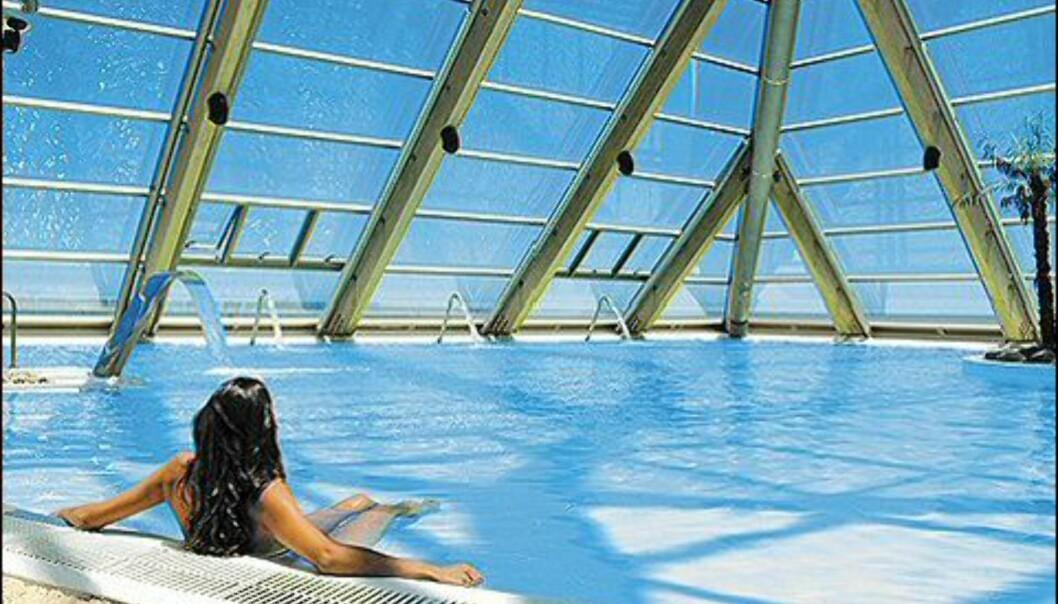 Samme varme vann, oppvarmet sand, og flott havutiskt. Foto: San Alfonso del Mar