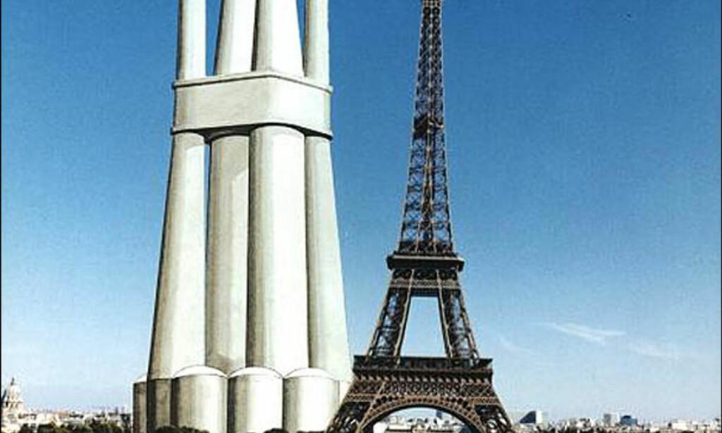 Troll A plattformen i illustrasjonsbilde ved siden av Eiffeltårnet. Foto: SHELL/STATOIL