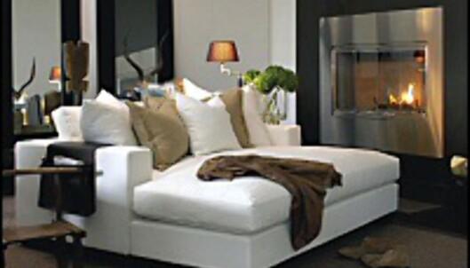 Sofaen blir dypere og dypere, som denne nesten kvadratiske av Hennie Interiors for Slettvoll. <i>Foto: Slettvoll</i>