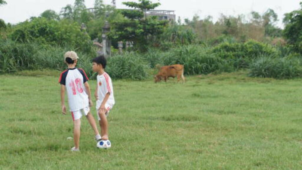 PLASS FOR ALLE:  Den norske støtten er betinget av at klubbene skal ha plass for alle unger. Det er en ny tankegang i Vietnam. FOTO: Trang Tran.
