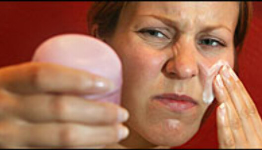 Vær skeptisk til hva kosmetikkselskapene lover.  Foto: Per Ervland