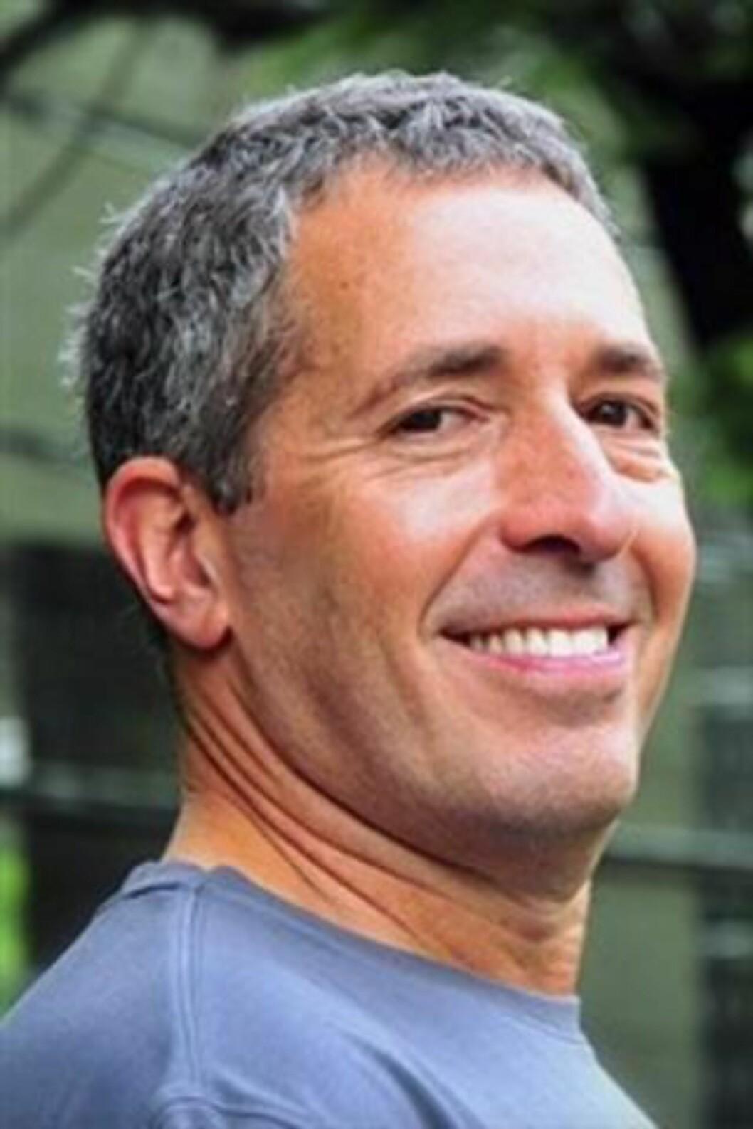 FORFATTER 2: Eldar Shafir er professor i psykologi ved Princeton University. Han har levert flere banebrytende arbeider innen atferdsøkonomien, og samarbeidet med Daniel Kahnemann ved flere anledninger. (Foto: Macmillan.)