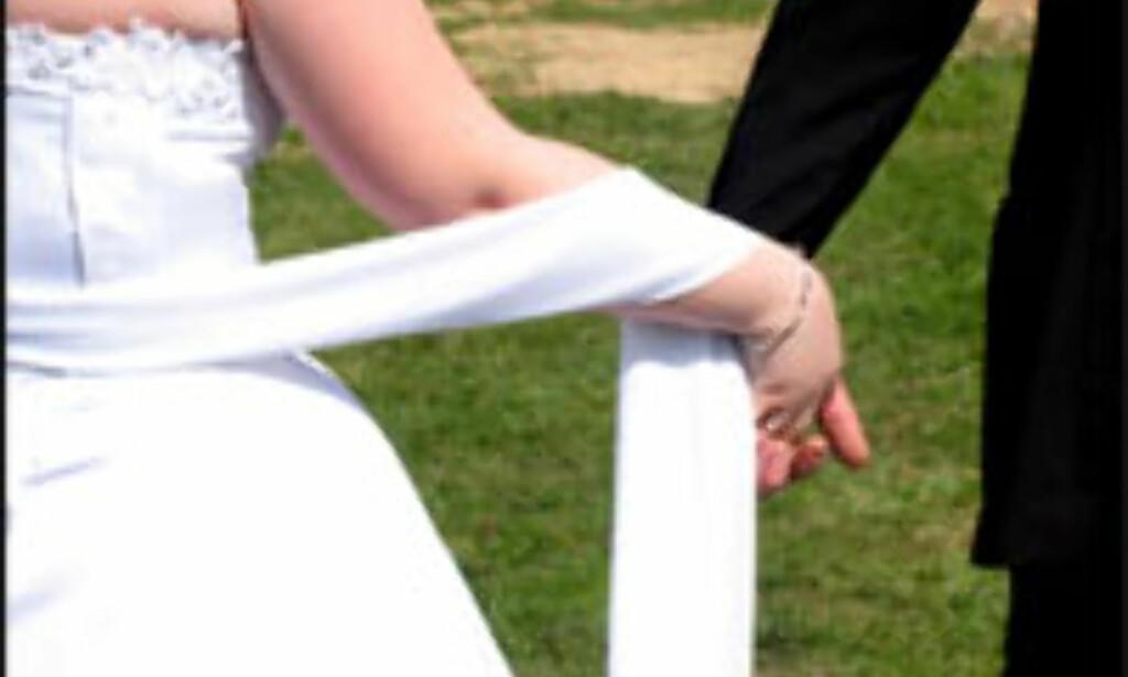 Sommer, sol... forlovelse og bryllup. <i>Foto: Dovile Cizaite.</i>