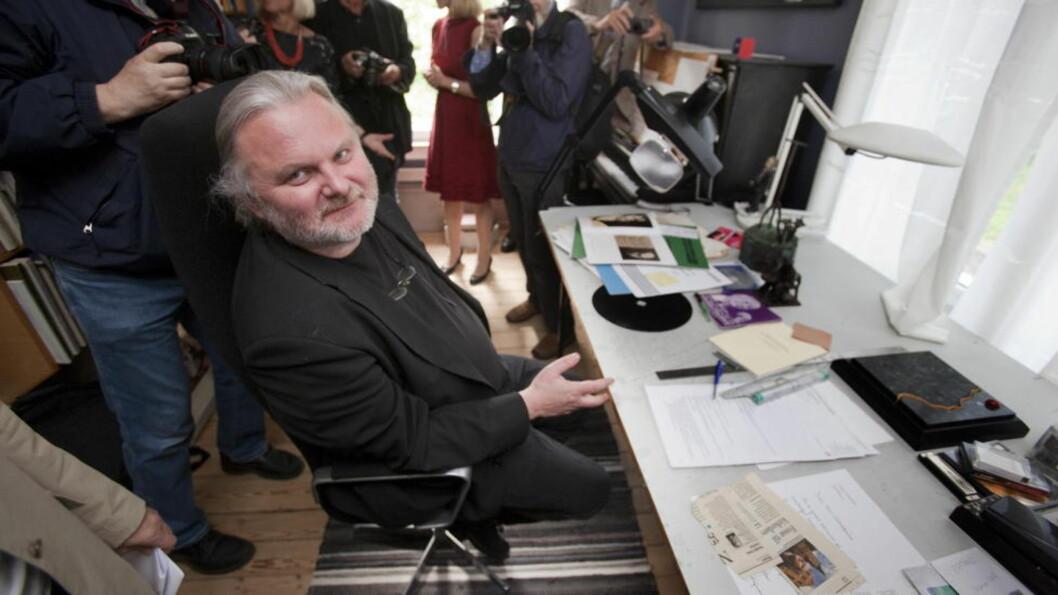 FORHÅNDSFAVORITT: Jon Fosse er blant forfatterne med best odds i forbindelse med årets Nobelpris i litteratur. Bildet er fra da han flyttet inn i Grotten, Statens kunstnerbolig, i 2011. FOTO: TORBJØRN BERG / DAGBLADET