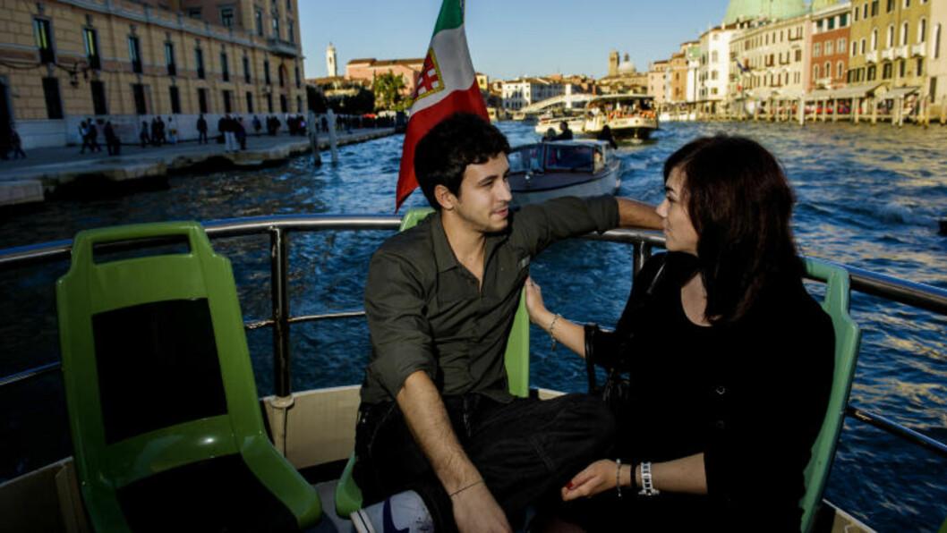 <strong> CANAL GRANDE:</strong>  Marco fra Barcelona fridde til italienske Veronica etter at dette bildet ble tatt på den lokale vannbussen (vaporetto)  i Venezia. En fantastisk dag, melder paret til Dagbladet. Foto: JOHN TERJE PEDERSEN