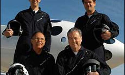 Her er pilotene fra selskapet som har bygget Spaceshipone. Foto: Scales Composites LLC Foto: Scaled Composites LLC