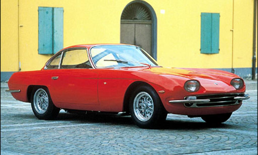 På bilmessen i Geneve i 1964 viste Lamborghini frem en videreutvikling av konseptbilen 350 GTV. Den nye bilen hadde fått navnet 350 GT.