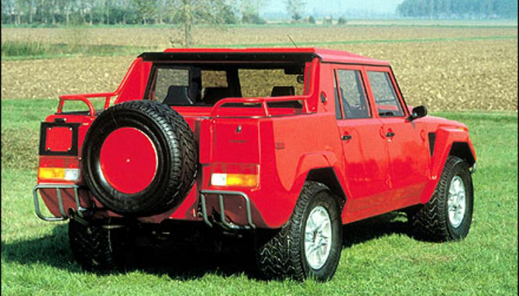 LM002 har en V12 i fronten.