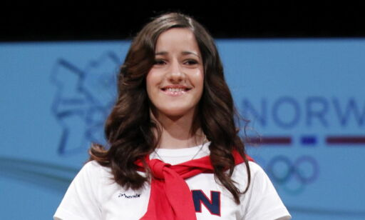 image: Nå gir Røkke over 100 millioner til superstjerner som henne