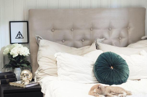 image: Denne sengegavlen lager du på noen timer - og det koster ikke skjorta
