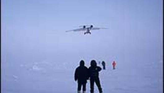 """Fullskala nordpoltur.<br /> <br /> <I>Foto: <A TARGET=""""_blank"""" HREF=""""http://www.ousland.no"""">Ousland.no</I>"""