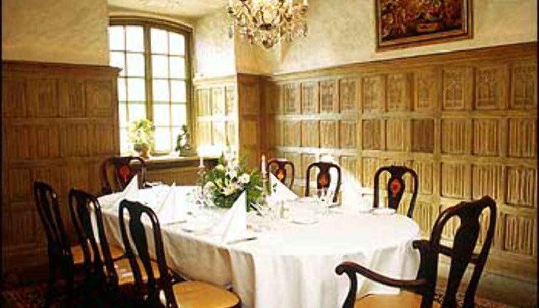 Mange bruker slottet til bryllupsfester, og kan holde hele selskapeligheten i disse standsmessige omgivelsene. <I>Foto: Thomas Carlgren/Häringe Slott</I> Foto: Thomas Carlgren/Häringe Slott