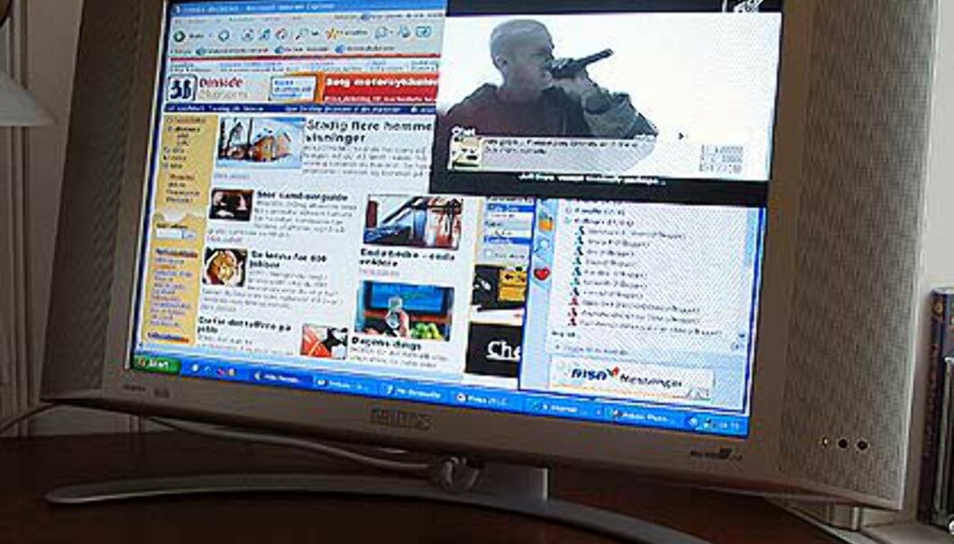 Surfing på DinSide.no,<br />  MSN- messenger nederst til høyre, og<br /> - og TV-bilde øverst til høyre.