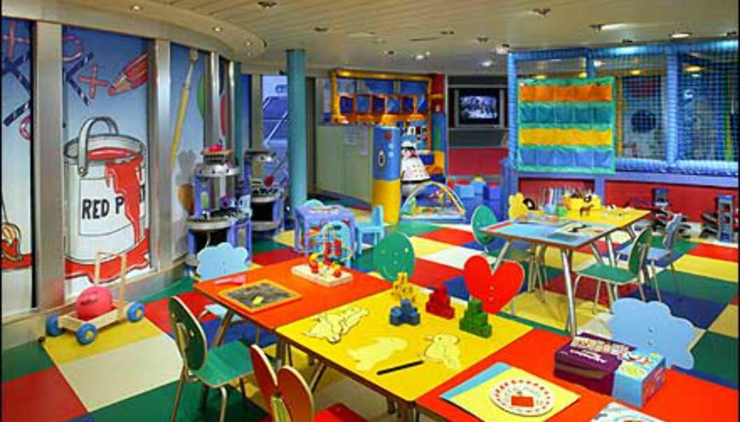 Også barna skal ha det moro til sjøs. Queen Mary 2 har verdens største ballrom - til sjøs.